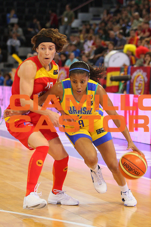 DESCRIZIONE : Madrid 2008 Fiba Olympic Qualifying Tournament For Women Brazil Spain <br /> GIOCATORE : Claudia Das Neves <br /> SQUADRA : Brazil Brasile <br /> EVENTO : 2008 Fiba Olympic Qualifying Tournament For Women <br /> GARA : Brazil Spain Brasile Spagna <br /> DATA : 11/06/2008 <br /> CATEGORIA : Penetrazione <br /> SPORT : Pallacanestro <br /> AUTORE : Agenzia Ciamillo-Castoria/S.Silvestri <br /> Galleria : 2008 Fiba Olympic Qualifying Tournament For Women <br /> Fotonotizia : Madrid 2008 Fiba Olympic Qualifying Tournament For Women Brazil Spain <br /> Predefinita :