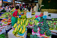 Chine, Hong Kong, Kowloon, Mong Kok, marché de fruits et légumes // China, Hong Kong, Kowloon, Mong Kok, vegetable and fruit market