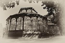 THEMENBILD - Madrid ist seit Jahrhunderten der geographische, politische und kulturelle Mittelpunkt Spaniens (siehe Kastilien) und der Sitz der spanischen Regierung. Hier residieren auch der König, ein katholischer Erzbischof sowie wichtige Verwaltungs- und Militärbehörden. Als Handels- und Finanzzentrum hat die Stadt nationale und internationale Bedeutung. Hier im Bild Glaspavillon von Ricardo Velazquez Bosco, Kristallpalast, Palacio de Cristal, Retiro-Park, Parque del Buen Retiro, Jardines del Buen Retiro // THEMATIC PACKAGES - Madrid is the capital and largest city of Spain. The population of the city is roughly 3.3 million and the entire population of the Madrid metropolitan area is calculated to be around 6.5 million. It is the third-largest city in the European Union, after London and Berlin, and its metropolitan area is the third-largest in the European Union after London and Paris. The city spans a total of 604.3 km2. EXPA Pictures © 2014, PhotoCredit: EXPA/ Eibner-Pressefoto/ Weber<br /> <br /> *****ATTENTION - OUT of GER*****