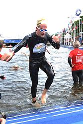 16.07.2011, Hamburg, GER, Dextro Energy Triathlon ITU World Championship Series, Promi-Staffel, im Bild Team Dextro Energy-Team Alexander Klaws (Tarzan-Darsteller im Musical) beim Ausstieg aus der Binnenalster.EXPA Pictures © 2011, PhotoCredit: EXPA/ nph/  Witke       ****** out of GER / CRO  / BEL ******