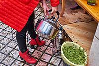 Chine, Province du Sichuan, Mingshan, marché de thé vert pour les grossites // China, Sichuan province, Mingshan, green tea wholesaler market