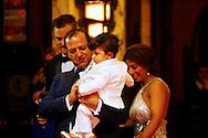 AMSTERDAM - In Tuschinski is de Nederlandse film Valention in premiere gegaan. Diversen bekende Nederlanders kwamen over de rode loper. Met hier op de foto  Najib Amhali en zijn vrouw Niama met hun zoon Noah. FOTO LEVIN DEN BOER - PERSFOTO.NU