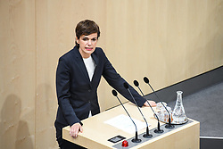 "27.05.2019, Hofburg, Wien, AUT, Sondersitzung des Nationalrates, Sitzung des Nationalrates aufgrund des Misstrauensantrags der Liste JETZT, FPOE und SPOE gegen Bundeskanzler Sebastian Kurz (OeVP) und die Bundesregierung, im Bild Pamela Rendi Wagner (SPÖ) // during special meeting of the National Council of austria due to the topic ""motion of censure against the federal chancellor Sebastian Kurz (OeVP) and the federal government"" at the Hofburg in Wien, Australia on 2019/05/27. EXPA Pictures © 2019, PhotoCredit: EXPA/ Lukas Huter"
