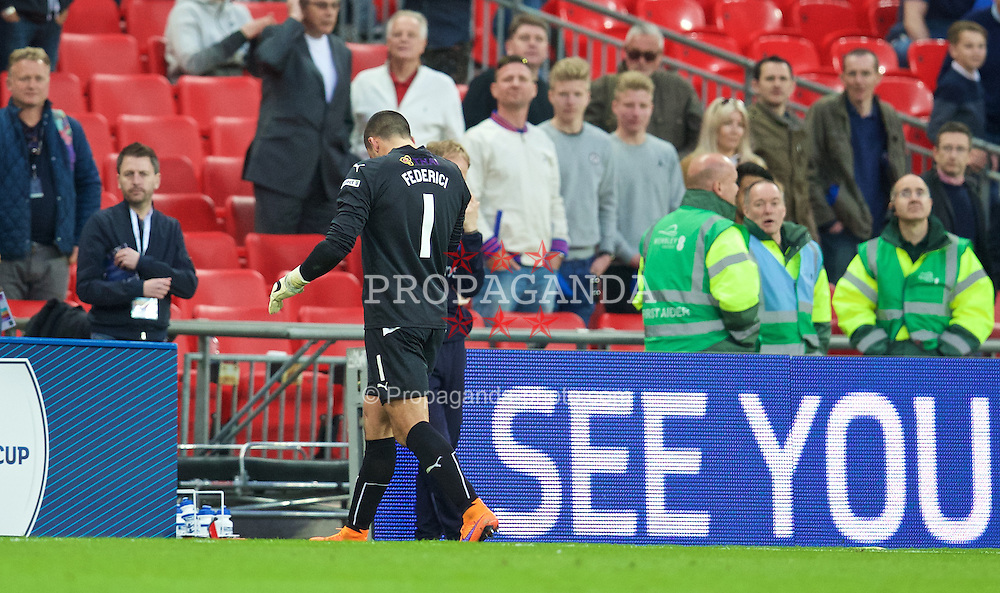 LONDON, ENGLAND - Saturday, April 18, 2015: Reading's goalkeeper Adam Federici walks off dejected after his mistake gifted Arsenal a 2-1 extra time victory during the FA Cup Semi-Final match at Wembley Stadium. (Pic by David Rawcliffe/Propaganda)