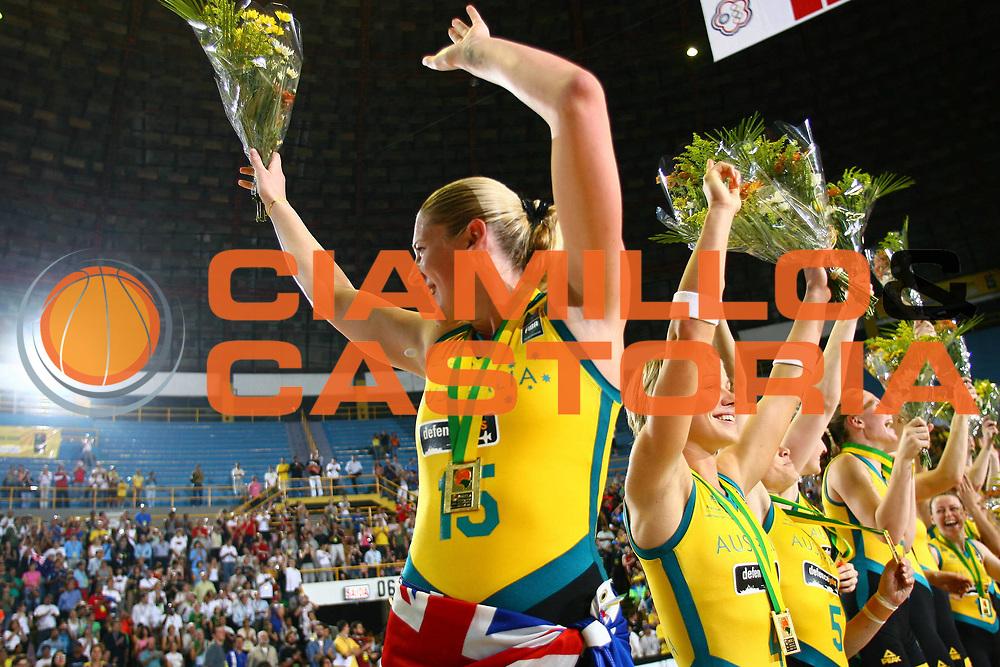 DESCRIZIONE : San Paolo Sao Paolo Brasile Brazil World Championship for Women 2006 Campionati Mondiali Donne Final Australia-Russia<br /> GIOCATORE : Jackson<br /> SQUADRA : Australia Russia<br /> EVENTO : San Paolo Sao Paolo Brasile Brazil World Championship for Women 2006 Campionati Mondiali Donne Final Australia-Russia<br /> GARA : Australia Russia<br /> DATA : 23/09/2006 <br /> CATEGORIA : <br /> SPORT : Pallacanestro <br /> AUTORE : Agenzia Ciamillo-Castoria/E.Castoria <br /> Galleria : world championship for women 2006<br /> Fotonotizia : San Paolo Sao Paolo Brasile Brazil World Championship for Women 2006 Campionati Mondiali Donne Final Australia-Russia<br /> Predefinita :