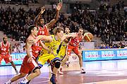 DESCRIZIONE : Ancona Lega A 2011-12 Fabi Shoes Montegranaro Cimberio Varese<br /> GIOCATORE : Coby Karl<br /> CATEGORIA : palleggio fallo curiosita difesa<br /> SQUADRA : Fabi Shoes Montegranaro<br /> EVENTO : Campionato Lega A 2011-2012<br /> GARA : Fabi Shoes Montegranaro Cimberio Varese<br /> DATA : 29/01/2012<br /> SPORT : Pallacanestro<br /> AUTORE : Agenzia Ciamillo-Castoria/C.De Massis<br /> Galleria : Lega Basket A 2011-2012<br /> Fotonotizia : Ancona Lega A 2011-12 Fabi Shoes Montegranaro Cimberio Varese<br /> Predefinita :