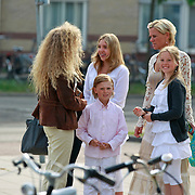 NLD/Huizen/20110429 - Lintjesregen 2011,