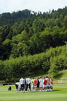 Photo: Chris Ratcliffe.<br />England training session. 06/06/2006.<br />England's warm up begins in the mountains of the Black Forest in Buhlertal.
