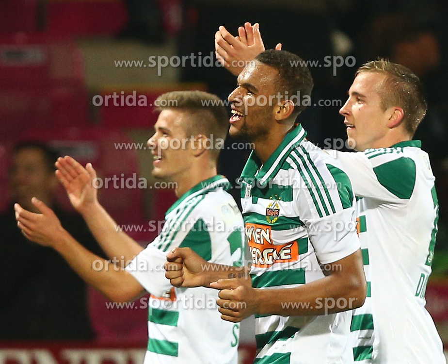 27.10.2013, Generali Arena, Wien, AUT, 1. FBL, FK Austria Wien vs SK Rapid Wien, 13. Runde, im Bild Dominik Starkl, (SK Rapid Wien, #34), Terrence Boyd, (SK Rapid Wien, #9) und Christopher Dibon, (SK Rapid Wien, #17) // during Austrian Bundesliga Football 13th round match, between FK Austria Vienna and SK Rapid Wien at the Generali Arena, Wien, Austria on 2013/10/27. EXPA Pictures © 2013, PhotoCredit: EXPA/ Thomas Haumer