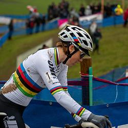 2019-12-14 Cycling: dvv verzekeringen trofee: Ronse: Sanne Cant still seeking for her form