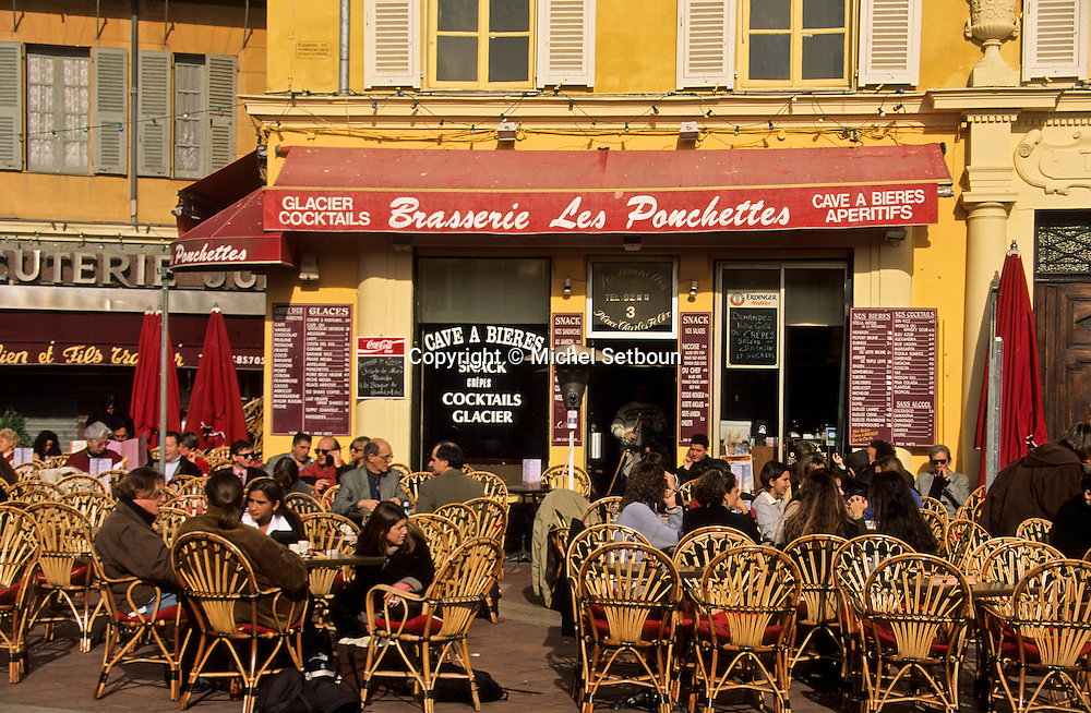 France. Nice. the  - cours Saleya -  in the old city      / le cours Saleya dans la la vieille ville  Nice  france   / R00115/    L1743  /  P102880