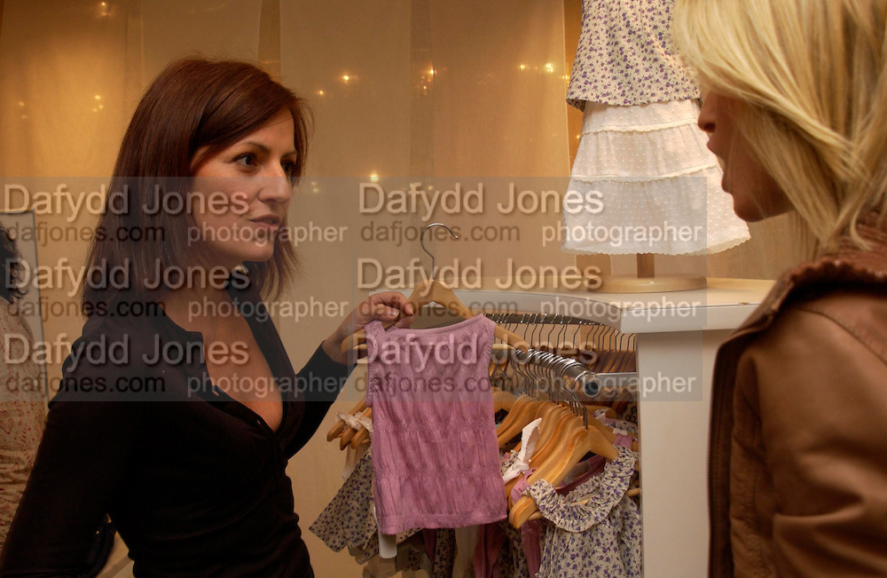 Davina McCall.  Launch of 'Lucy  Sykes Baby, New York' Selfridges. 14 April 2005. ONE TIME USE ONLY - DO NOT ARCHIVE  © Copyright Photograph by Dafydd Jones 66 Stockwell Park Rd. London SW9 0DA Tel 020 7733 0108 www.dafjones.com