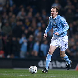 MANCHESTER, ENGLAND - Tuesday, December 18, 2007: Manchester City's Dietmar Hamann in action against Tottenham Hotspur during the League Cup Quarter Final match at the City of Manchester Stadium. (Photo by David Rawcliffe/Propaganda)
