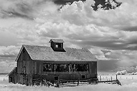 Abandoned farmhouse; Capulin, CO