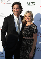 27th Annual EMA Awards - Santa Monica. 23 Sep 2017 Pictured: Amy Smart, Carter Oosterhouse. Photo credit: Jaxon / MEGA TheMegaAgency.com +1 888 505 6342