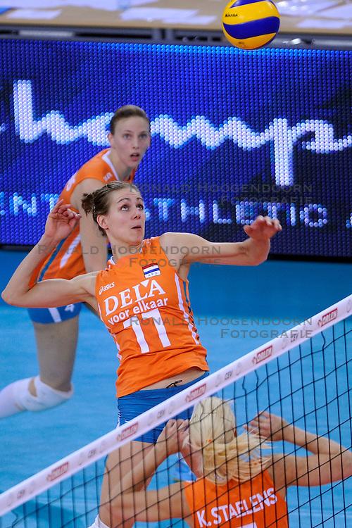 30-09-2009 VOLLEYBAL: EUROPEES KAMPIOENSCHAP NEDERLAND - BELGIE: LODZ<br /> Nederland is groepswinnaar en wint opnieuw. Belgie wordt met 3-0 verslagen / Caroline Wensink<br /> &copy;2009-WWW.FOTOHOOGENDOORN.NL