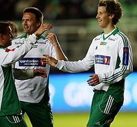 Fotball <br /> Adeccoligaen<br /> Briskeby Gressbane <br /> 14.04.09<br /> HamKam  v Alta 7-0<br /> Foto: Dagfinn Limoseth, Digitalsport<br /> Thomas Lehne Olsen , HamKam  laget 6-0 målet , gratuleres av Jørgen Jalland og Truls Jevne Hagen