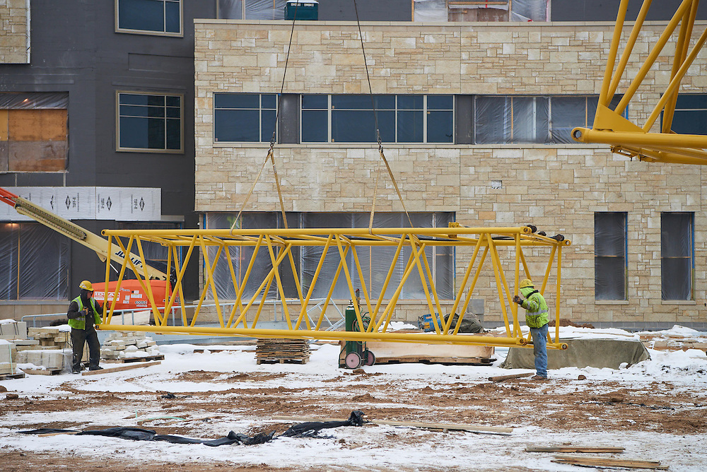 Location; Outside; People; Man Men; Type of Photography; Candid; UWL UW-L UW-La Crosse University of Wisconsin-La Crosse; Winter; February; Student Center Construction