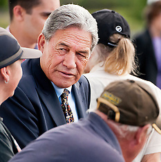 Whangarei-Winston Peters campaigns for by-election at sale yards