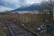 Sassano, 10/02/2015: stazione ferroviaria abbandonata, vista di Sala Consilina