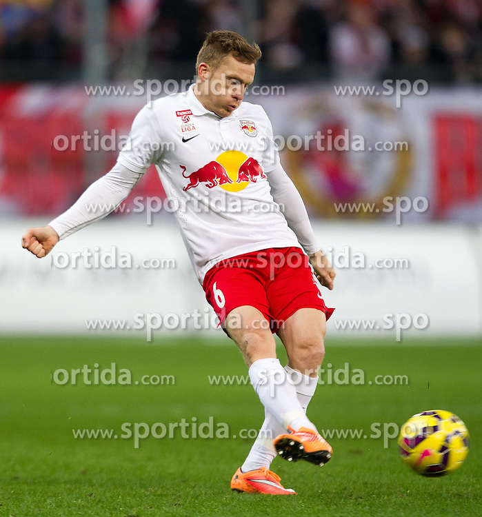 07.03.2015, Red Bull Arena, Salzburg, AUT, 1. FBL, FC Red Bull Salzburg vs SCR Cashpoint Altach, 24. Runde, im Bild Christian Schwegler (FC Red Bull Salzburg, #06) // during Austrian Football Bundesliga 24th round Match between FC Red Bull Salzburg and SCR Cashpoint Altach at the Red Bull Arena, Salzburg, Austria on 2015/03/07. EXPA Pictures © 2015, PhotoCredit: EXPA/ JFK