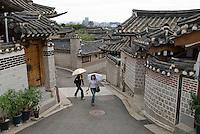 Hanok or Korean traditional houses in North Seoul, South Korea. 2009<br /> <br /> Quartiers d'habitations traditionnelles coreennes ou hanok dans le nord de Seoul.