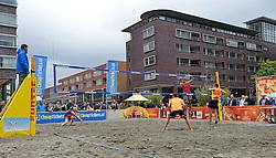 20150621 NED: Wildcard WK Beachvolleybal, Amstelveen<br /> In Amstelveen werd er voor de laatste ticket voor het WK gestreden / Beachcourt op Stadsplein Amstelplein met Daan Spijkers en Tim Oude Elferink. Zij zijn het negende duo dat op het WK beachvolleybal namens Nederland in actie komt.