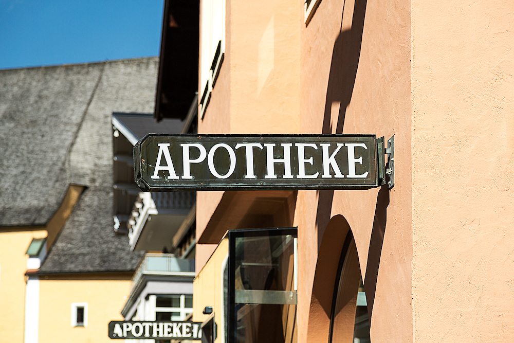 Apotheke (Pharmacy) Sign