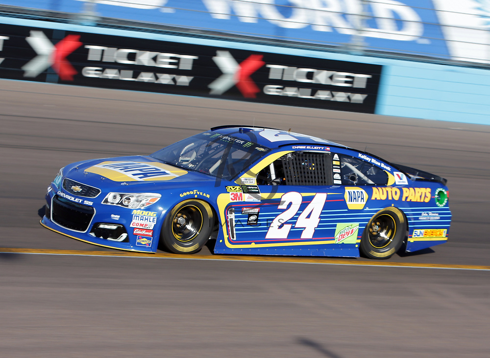 Chase Elliott qualifies for Sunday's NASCAR Cup Series auto race on Friday, March 17, 2017, in Avondale, Ariz.  (AP Photo/Rick Scuteri)