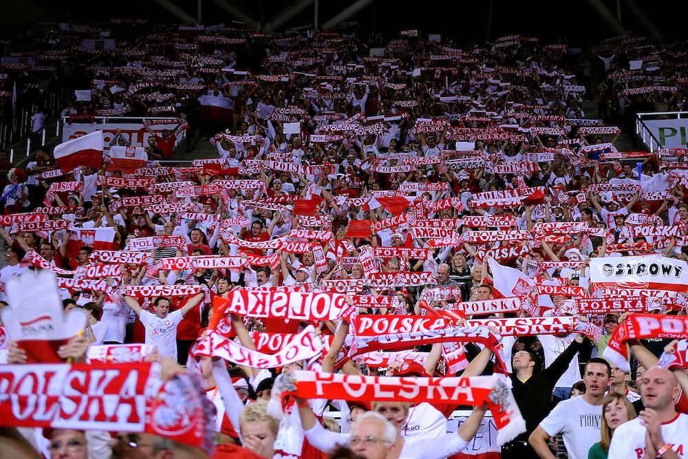 03-10-2009 VOLLEYBAL: EUROPEES KAMPIOENSCHAP NEDERLAND - POLEN: LODZ<br /> De Nederlandse volleybalvrouwen hebben zich ten koste van gastland Polen naar de eindstrijd van het EK geslagen: 3-1 / 13.000 Poolse supporters<br /> &copy;2009-WWW.FOTOHOOGENDOORN.NL