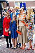 Koningsdag 2019 in Amersfoort / Kingsday 2019 in Amersfoort.<br /> <br /> Op de foto:  Koning Willem-Alexander, koningin Maxima en prinsessen Amalia, Ariane en Alexia  ///  King Willem-Alexander, Queen Maxima and princesses Amalia, Ariane and Alexia