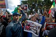 Roma 19 Novembre 2013<br /> Circa duecento manifestanti davanti l'ambasciata saudita a Roma per protestare contro l'  uccisione di migranti etiopi in Arabia Saudita. I manifestanti etiopi accusa il  Regno dell'Arabia Saudita  di aver ordinato l'espulsione di 23.000 etiopi e le forze dell'ordine di avere ucciso e stuprato  molti immigrati<br /> Rome 19 November 2013<br /> Around two  hundred angry protesters gathered outside the Saudi Embassy in Roma to protest against the alleged killing of Ethiopian migrants in Saudi Arabia. Some demonstrators also alleged injustice, rape and torture against their countrymen.