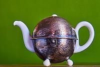 Allemagne, Weiden, Theiere art deco de la marque Bauscher, anéée 1930 // Germany, Weiden, art deco teapot from Bauscher factory