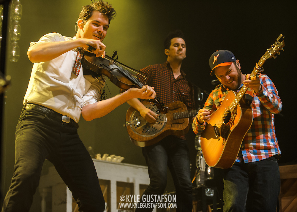FAIRFAX, VA - February 28th, 2014 - Old Crow Medicine SHow perform at the Patriot Center in Fairfax, VA, opening for The Avett Brothers. (photo by Kyle Gustafson)