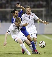 Fotball<br /> EM-kvalifisering<br /> Kypros v Norge<br /> 08.10.2010<br /> Foto: Savvides/Digitalsport<br /> NORWAY ONLY<br /> <br /> John Arne Riise og Bjørn Helge Riise - Norge