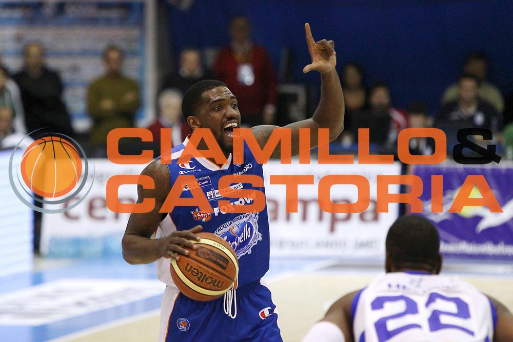DESCRIZIONE : Capo dOrlando Lega A 2014-15 Orlandina UPEA Basket Acqua Vitasnella Cantu  <br /> GIOCATORE :  Darius Johnson-Odom<br /> CATEGORIA :  Tecnica Palleggio Schema<br /> SQUADRA : Orlandina UPEA Basket Acqua Vitasnella Cantu  <br /> EVENTO : Campionato Lega A 2014-2015 <br /> GARA : Orlandina UPEA Basket Acqua Vitasnella Cantu  <br /> DATA : 14/12/2014<br /> SPORT : Pallacanestro <br /> AUTORE : Agenzia Ciamillo-Castoria/G. Pappalardo <br /> Galleria : Lega Basket A 2014-2015 <br /> Fotonotizia : Capo dOrlando Lega A 2014-15 Orlandina UPEA Basket Acqua Vitasnella Cantu