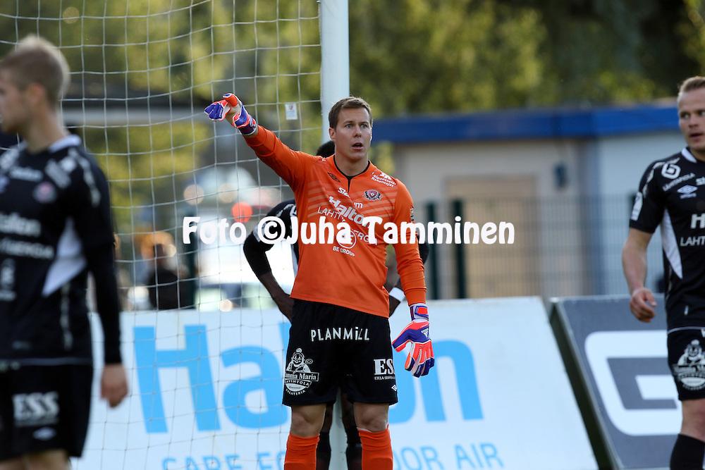 2.8.2015, Kisapuisto, Lahti.<br /> Veikkausliiga 2015.<br /> FC Lahti - FF Jaro.<br /> Henrik Moisander - FC Lahti