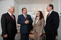 21 MAY 2007, BERLIN/GERMANY:<br /> Frank-Walter Steinmeier, SPD, Bundesaussenminister, Kurt Beck, SPD Parteivorsitzender, Andrea Nahles, MdB, SPD, Vorsitzende des Forums Demokratische Linke 21, Peer Steinbrueck, SPD, Bundesfinanzminister, (v.L.n.R.), vor einem gemeinsamen Gespraech, vor der Vorstellung der drei Kandidaten fuer den Posten des Stellvertretenden Parteivorsitzenden in den SPD-Gremien durch Beck, Buero des Parteivorsitzenden, Willy-Brandt-Haus<br /> IMAGE: 20070521-01-006<br /> KEYWORDS: Peer Steinbrück, Stellvertreter, Gruppe, Gruppenfoto, Gruppenbild, Gespräch