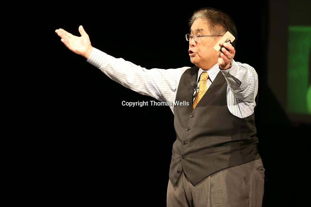 Harry Wong and his wife, Rosemary, teach a few steps to teachers that make teaching easier on them and and the students during Monday's convocation at Tupelo High School.