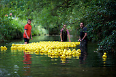 Eye Duck Race