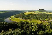 Festung Koenigstein, Blick ueber Landschaft mit Elbe und Lilienstein, Saechsische Schweiz, Elbsandsteingebirge, Sachsen, Deutschland.|.Fort Koenigstein, view on river Elbe and Lilienstein, Saxony, Germany