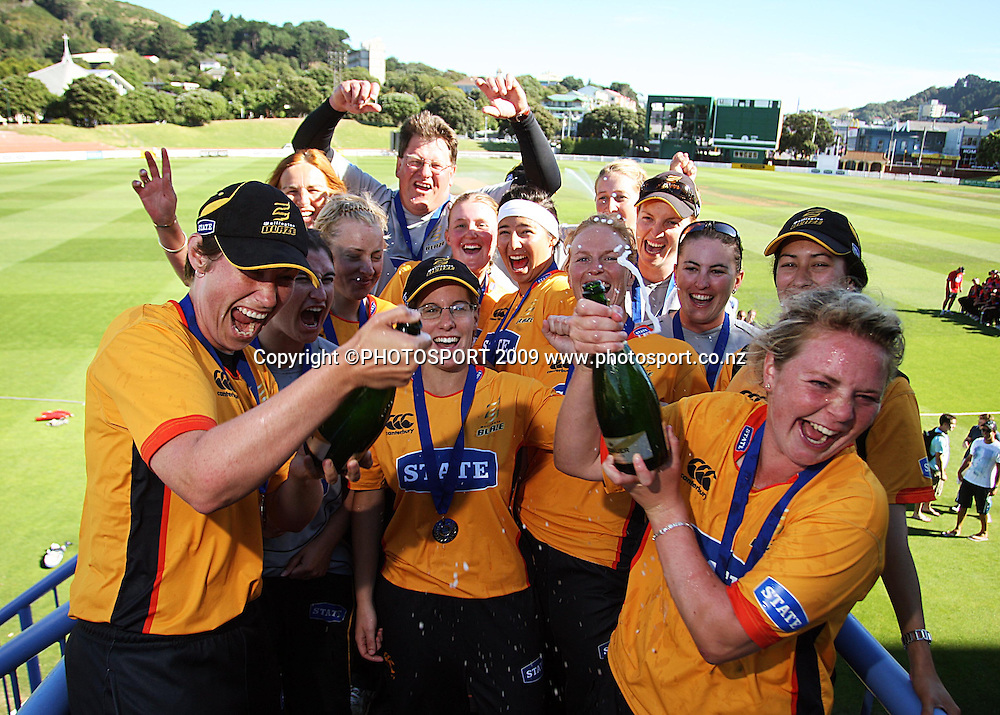 The Wellington Blaze team celebrates victory.<br /> State League 20/20 final. Wellington Blaze v Canterbury Magicians at Allied Prime Basin Reserve, Wellington. Saturday, 25 January 2009. Photo: Dave Lintott/PHOTOSPORT