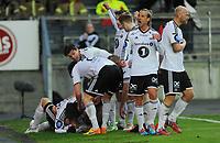 Fotball Tippeligaen Rosenborg - Start<br /> 30  april 2015<br /> Lerkendal Stadion, Trondheim<br /> <br /> <br /> Alexander Søderlund (liggende) har scoret 2-1 for Rosenborg<br /> og blir gratulert av gutta. Tobias Mikkelsen jubler opp mot publikum foran<br /> <br /> <br /> <br /> Foto : Arve Johnsen, Digitalsport