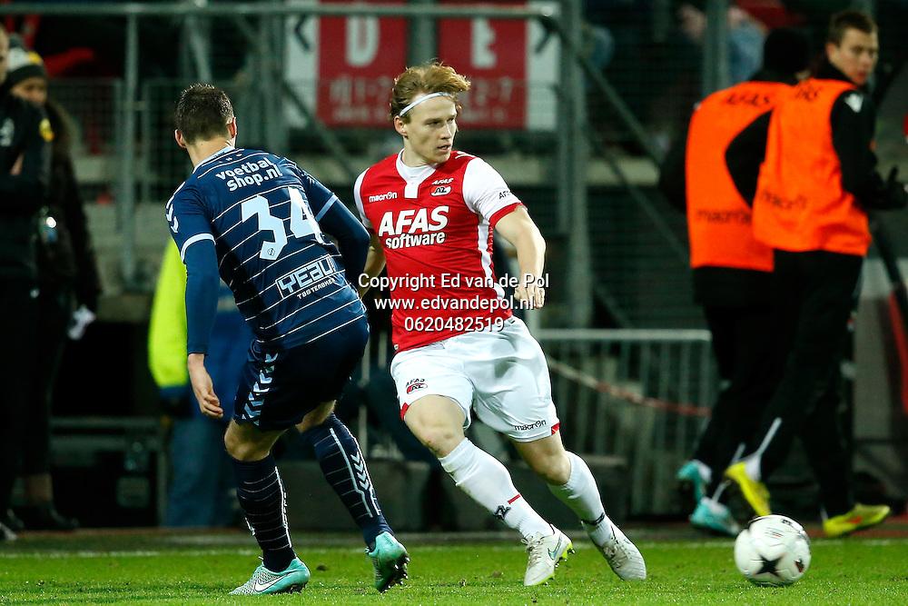 ALKMAAR - 20-12-2014 - AZ - FC Utrecht,  AFAS Stadion, 0-3, AZ speler Guus Hupperts (r), FC Utrecht speler Jeff Hardeveld.