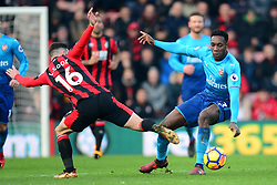 Danny Welbeck of Arsenal in action with Lewis Cook of Bournemouth - Mandatory by-line: Alex James/JMP - 14/01/2018 - FOOTBALL - Vitality Stadium - Bournemouth, England - Bournemouth v Arsenal - Premier League