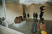 Sculptures. Tony Cragg. Lisson Gallery. Bell st. Collectors opening. 15 May 2006.  ONE TIME USE ONLY - DO NOT ARCHIVE  © Copyright Photograph by Dafydd Jones 66 Stockwell Park Rd. London SW9 0DA Tel 020 7733 0108 www.dafjones.com