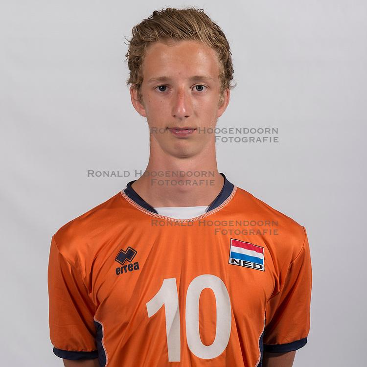 07-06-2016 NED: Jeugd Oranje jongens <1999, Arnhem<br /> Photoshoot met de jongens uit jeugd Oranje die na 1 januari 1999 geboren zijn / David Bes MID