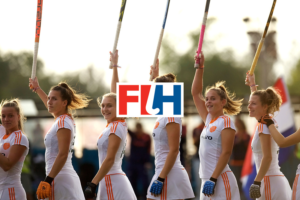 SANTIAGO - 2016 8th Women's Hockey Junior World Cup<br /> USA v NED (Pool A)<br /> foto: Line up.<br /> FFU PRESS AGENCY COPYRIGHT FRANK