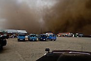 Mongolia. sand storm in  Hahorin / tempete de sable  Karakorum - Mongolie