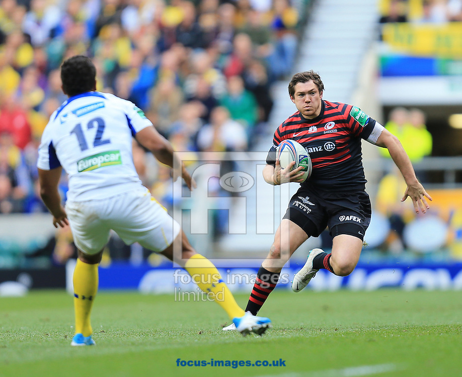 Alex Goode of Saracens and Wesley Fofana of Clermont Auvergne during the Heineken Cup Semi-Final at Twickenham Stadium, Twickenham<br /> Picture by Michael Whitefoot/Focus Images Ltd 07969 898192<br /> 26/04/2014